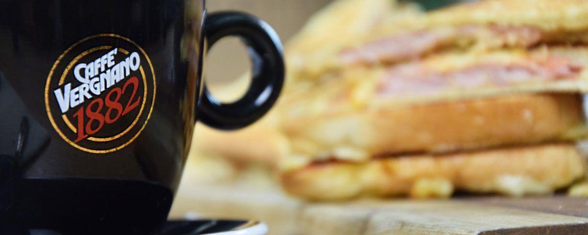 Brunch Vergnano: doppio toast farcito e cookies cup