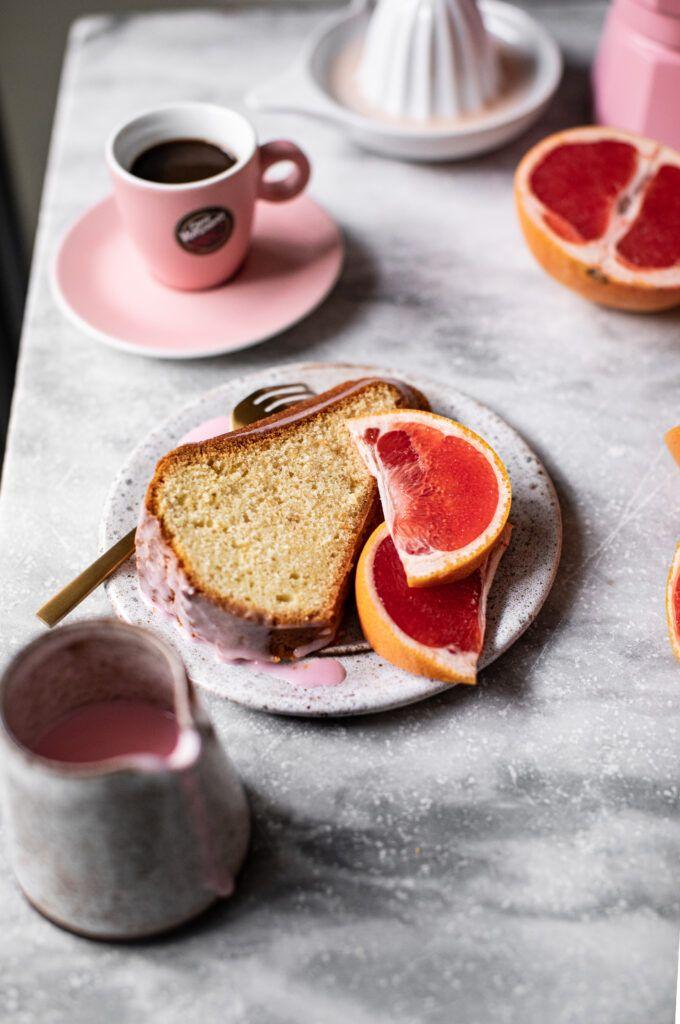 Bundt cake con glassa pompelmo rosa