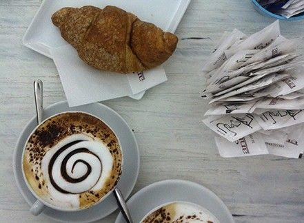 Caffè è…