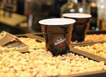 Caffè, tanti modi per berlo e leggerlo