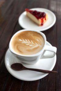 Coffee-time e Tea-time. L'orario più trendy sono diventate le 17?