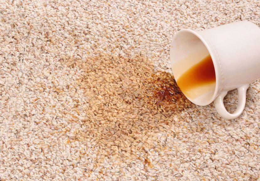 Come eliminare le macchie del caffè