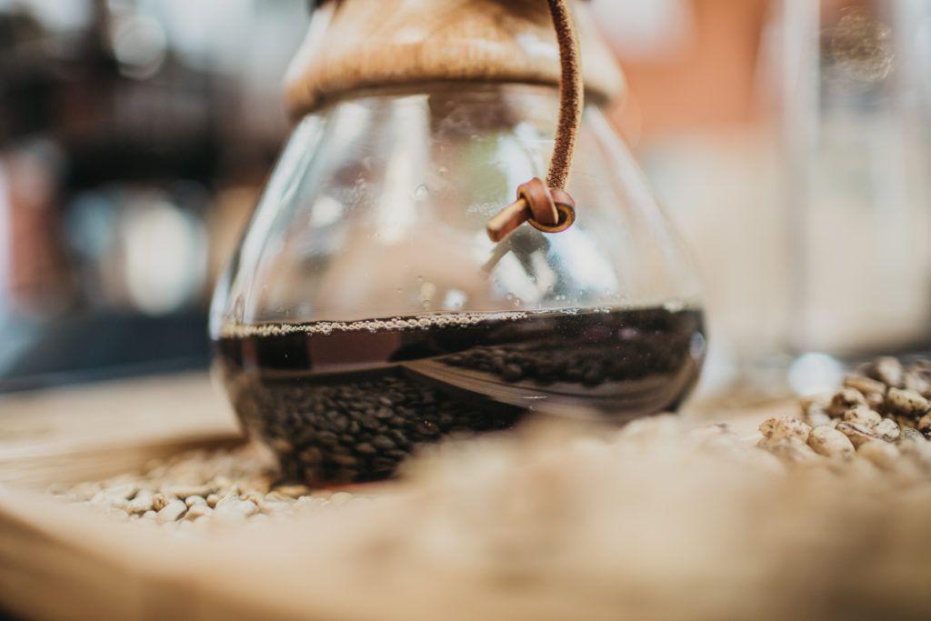 Come estrarre il caffè con il metodo Chemex
