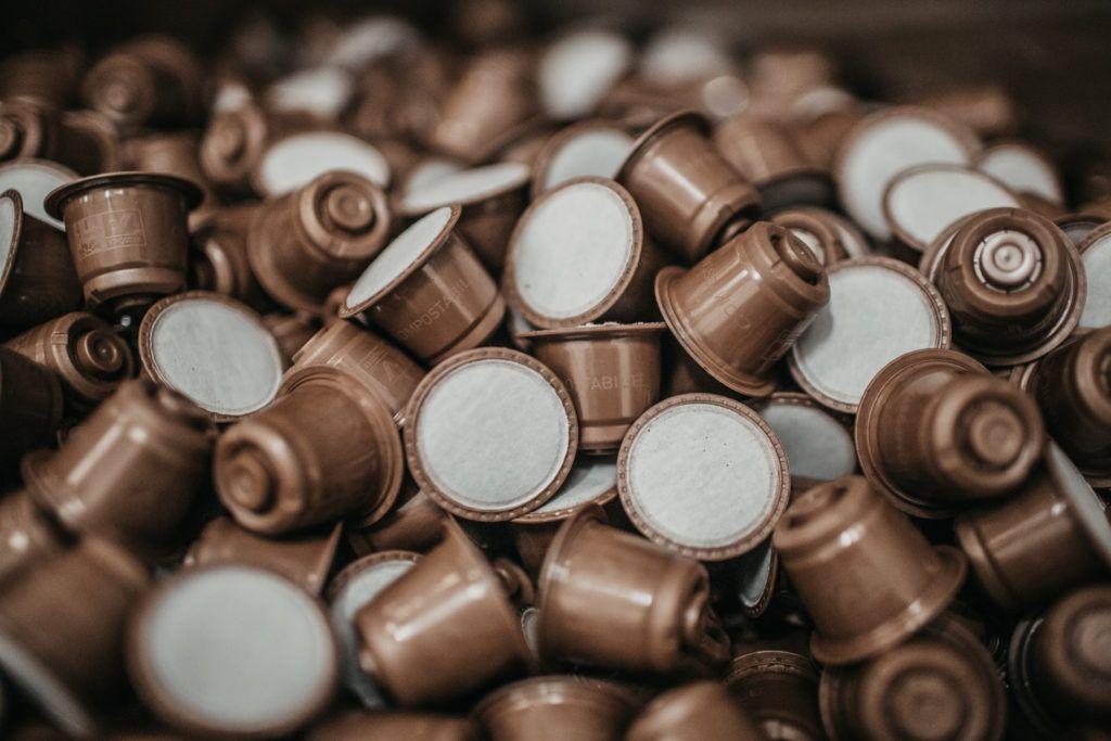 Come realizzare accessori e gioielli riciclando le capsule di caffè