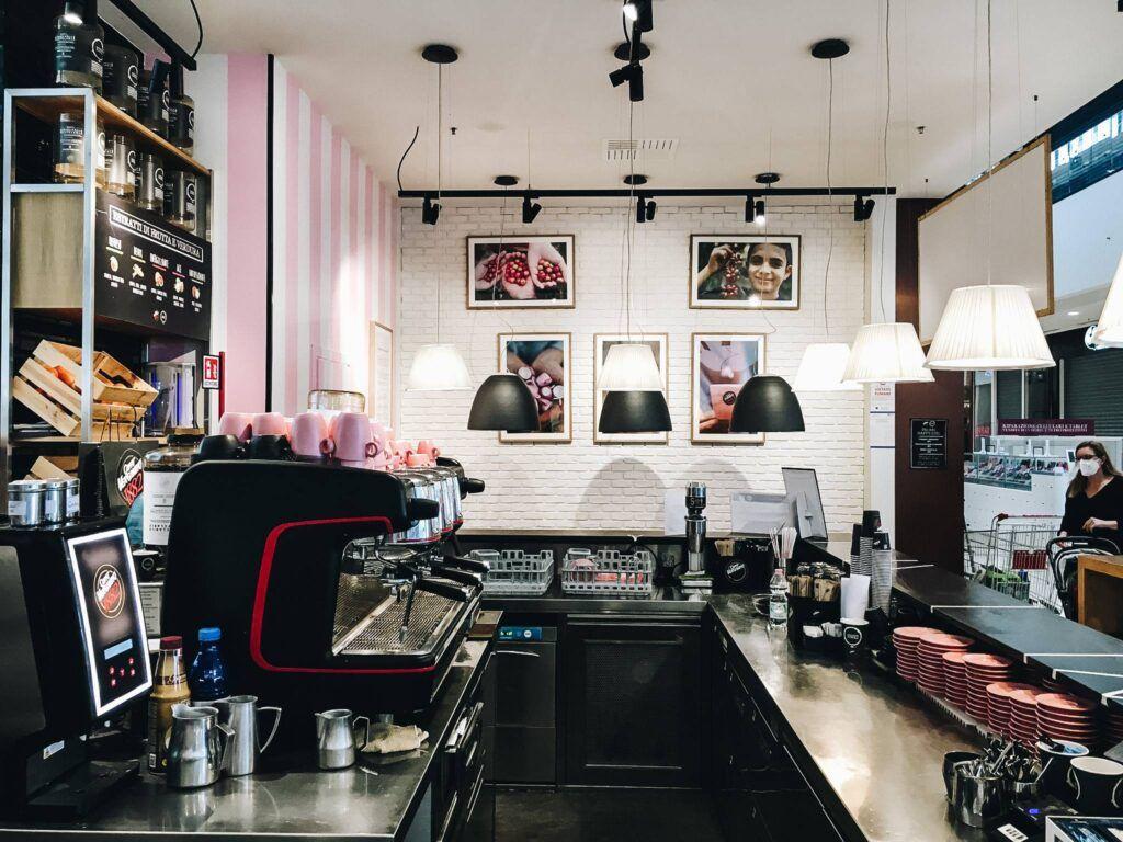 Grazie a Chiara e alle sue ragazze (più uno) il Caffè Vergnano 1882 di Verona diventa Women in coffee