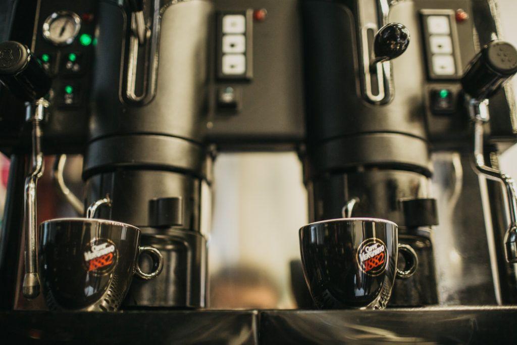 Guida per la manutenzione quotidiana della macchina del caffè del bar