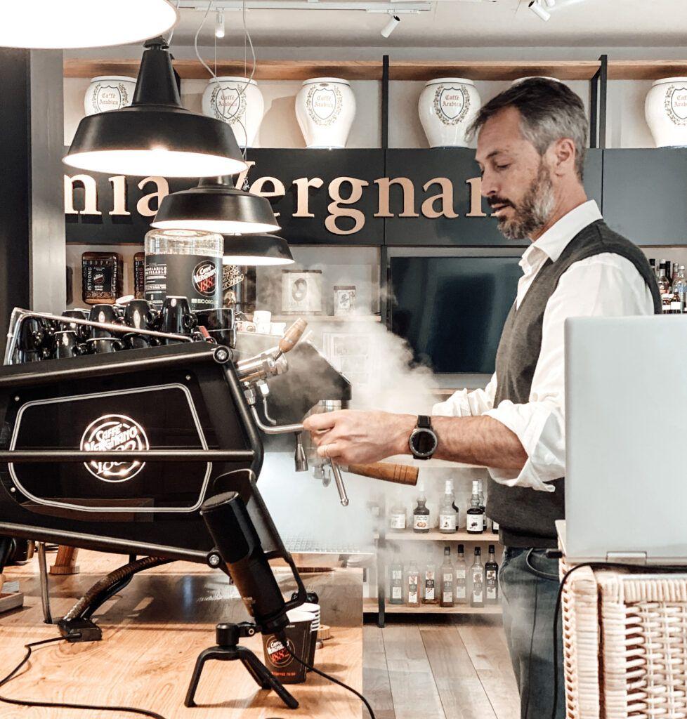 I corsi sul caffè live: l'Accademia Vergnano offre ai suoi baristi la formazione a distanza