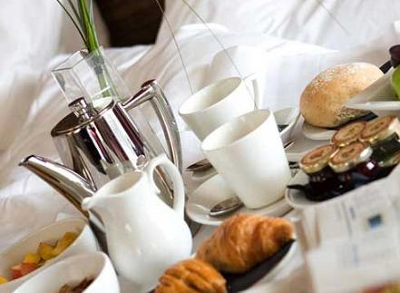 Matrimoniale o singola, viva la colazione gustata a letto