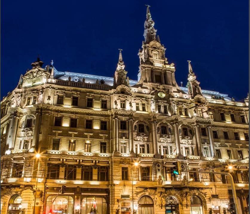 New York Cafe di Budapest: perché è definito il caffè più bello del mondo?