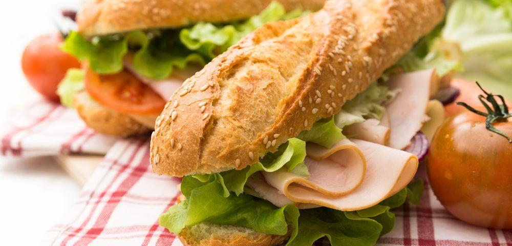 Sandwiches, fougasses et petits pains : un choix idéal pour le coffee shop