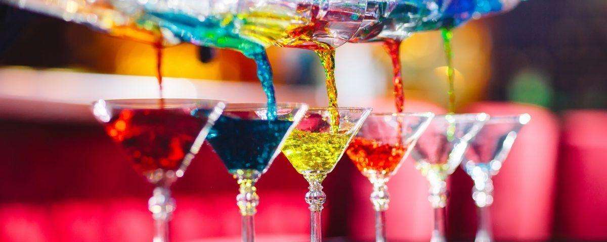 Tecniche e stili di servizio al bar: stupisci davvero i tuoi clienti
