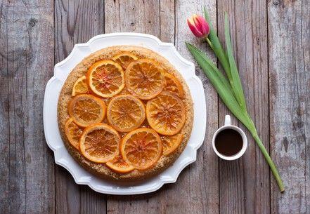 Torta di nocciole con arance