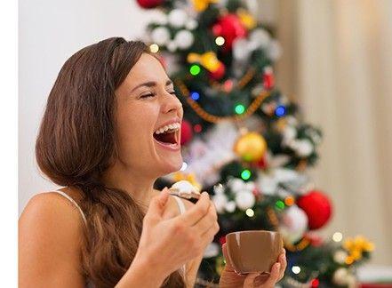 Tra regali inutili e pranzi con i parenti: 5 regole per sopravvivere al Natale