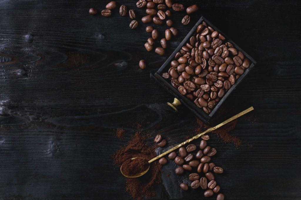Tre idee per preparare un profumo per ambienti fai da te al caffè