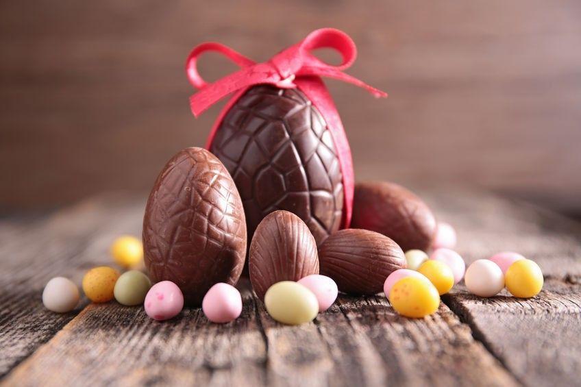 Uova di cioccolato ripiene di caffè: mai la Pasqua è stata così golosa