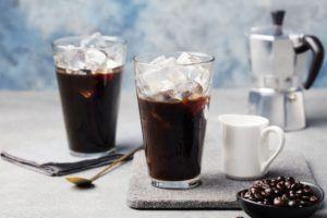 Meglio il caffè in vetro o in tazza?