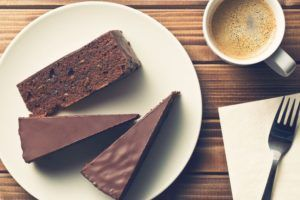 Torta senza glutine e senza cottura
